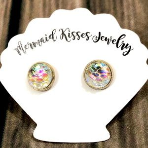 Jewelry - Iridescent Mermaid Scales Earrings